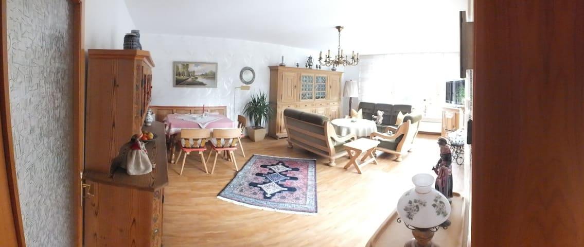 Ferienwohnung liebevoll eingerichtet - Schwabach - Apartmen