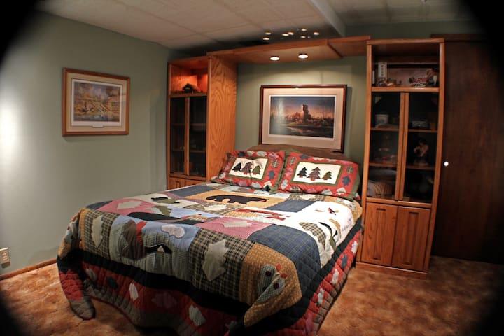 Family Living Space:) - Malvern - Huis