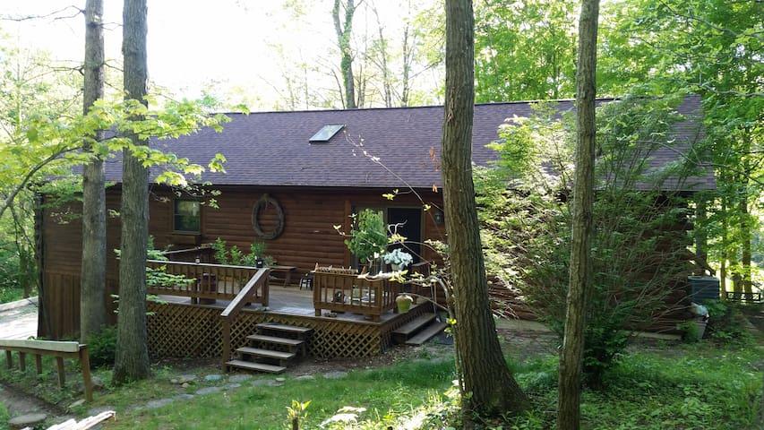 Buckeye Trail Cabin - Nelsonville - Cabaña