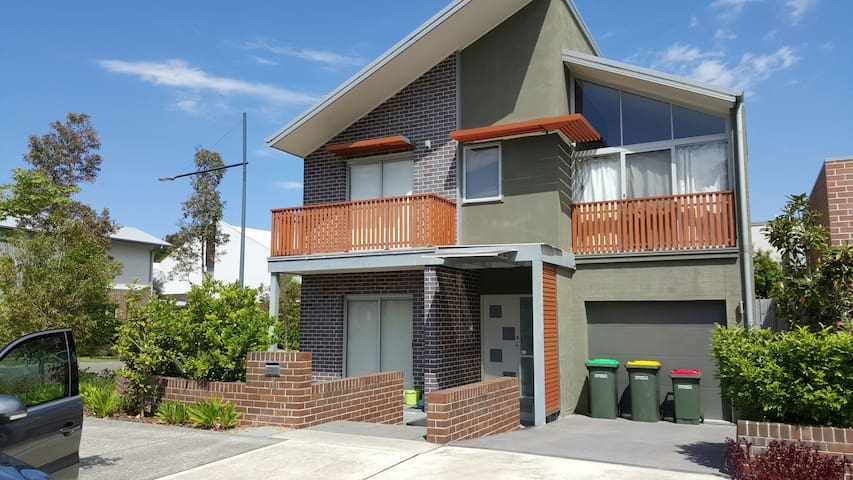 New riverside 2 storey house - Ermington - Rumah