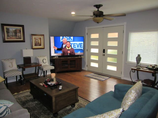 Home in the Woods near Lake and DFW - NEW! - Grapevine - Hus