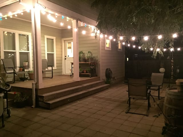 Large, Comfortable Ranch Style Home - Chico - Hus