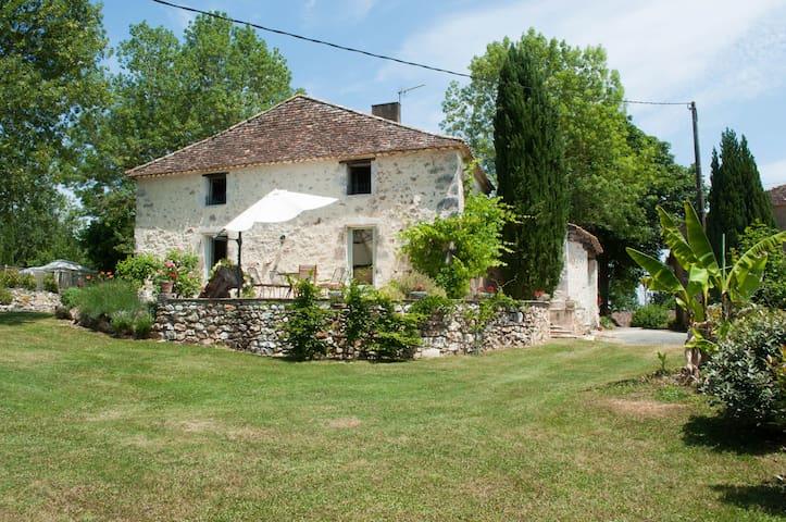 Les Hirondelles - Rayet - Hus