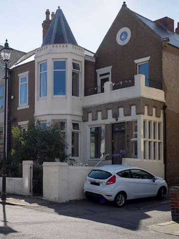 Beautiful house with sea views. - Saltburn-by-the-Sea