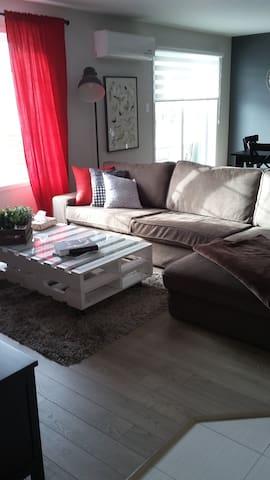 The LilyPad - Vaudreuil-Dorion - Apartament