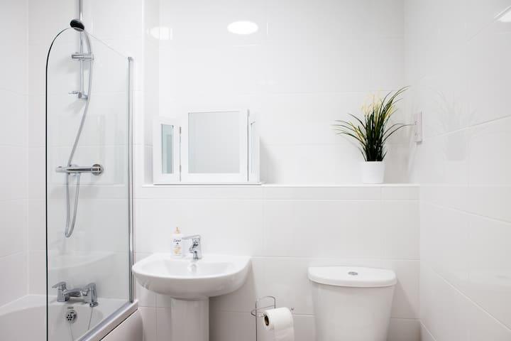 Guild House - 2 bedroom apartment - Swindon