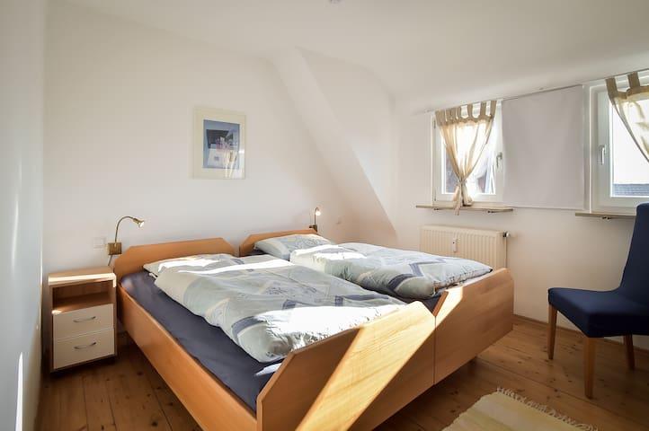 Whole apartment with large sun terr - Pliezhausen