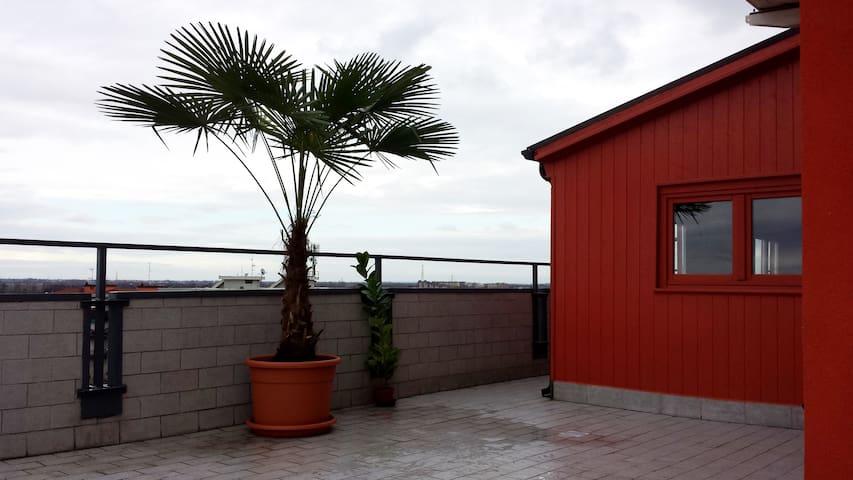 Attico ottavo piano 75 mq + terrazzo - Opera