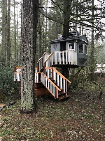 River's Rest Fairy Haven - Уошугал - Домик на дереве
