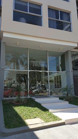 Suite ejecutiva con kitchenette - Asunción - Appartement