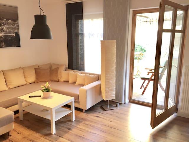 *** Moderne und zentrale EG-Wohnung mit Garten *** - Rosenheim - Apartmen