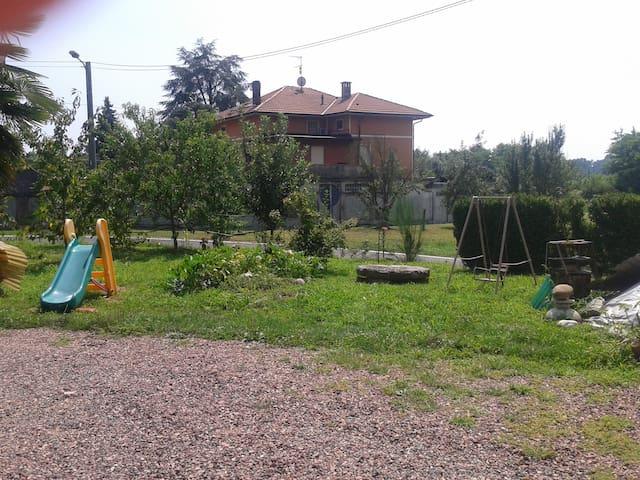 home in the land of  Bramaterra wine - Roasio - Leilighet