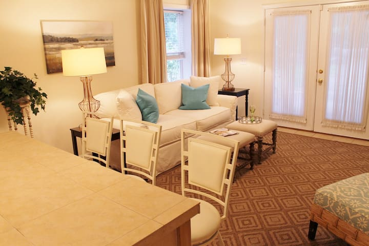 Private 2 BR terrace apt. in charming cottage! - Lilburn - Talo