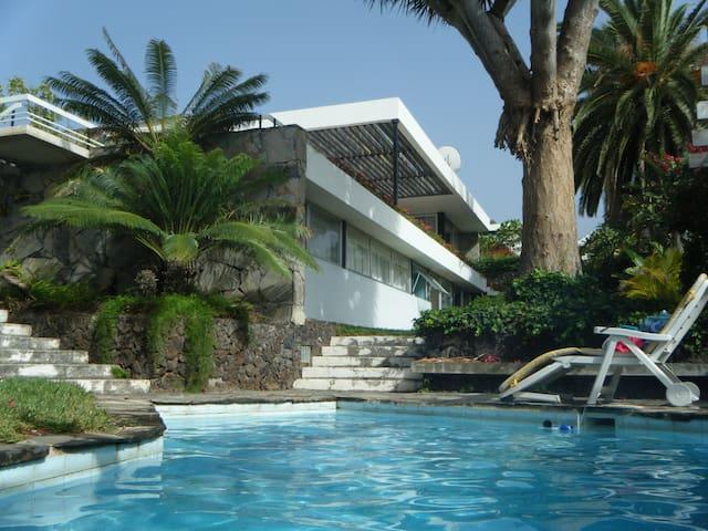 Architect villa with sea view - Los Realejos - Hus