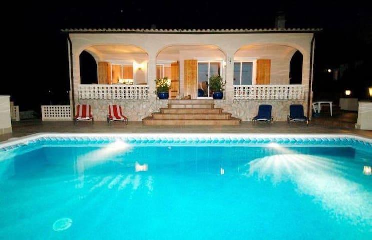 Nice home w/swimming pool & piano close to beaches - Maçanet de la Selva - Ev