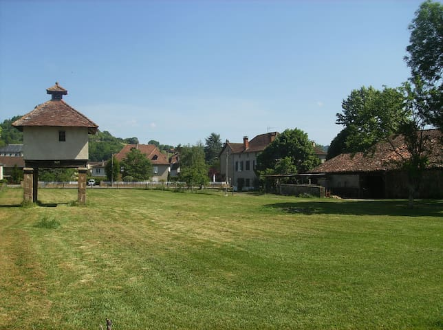 HOUSE with  a park - Saint-Céré - Casa