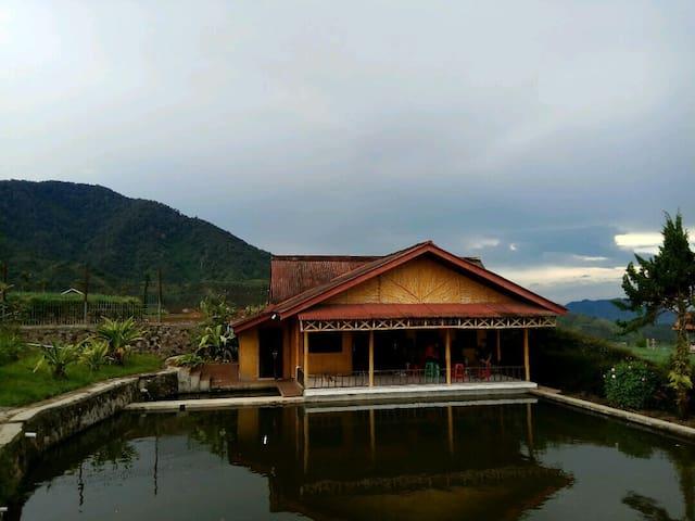 Villa Paniisan Putri Athaya 1 - Bandung - Villa