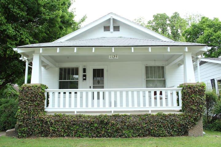 The Cottage on Loren Street - Springfield - Hus