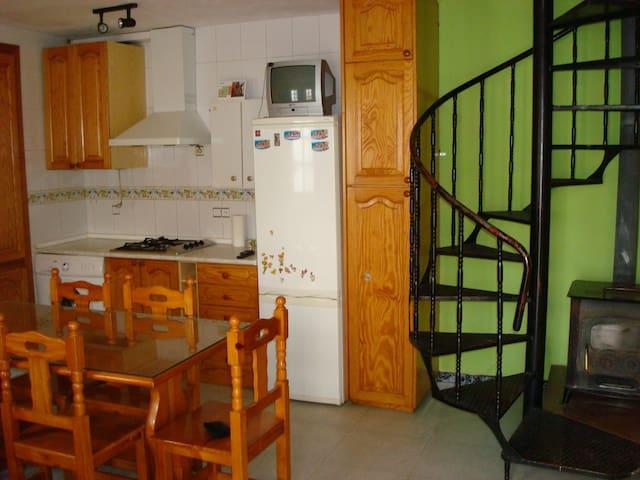 Casita en zona tranquila - La Mata de Morella - House