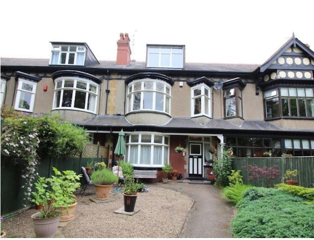 SPACIOUS PENTHOUSE APARTMENT STUNNING VIEWS - Doncaster - Appartement
