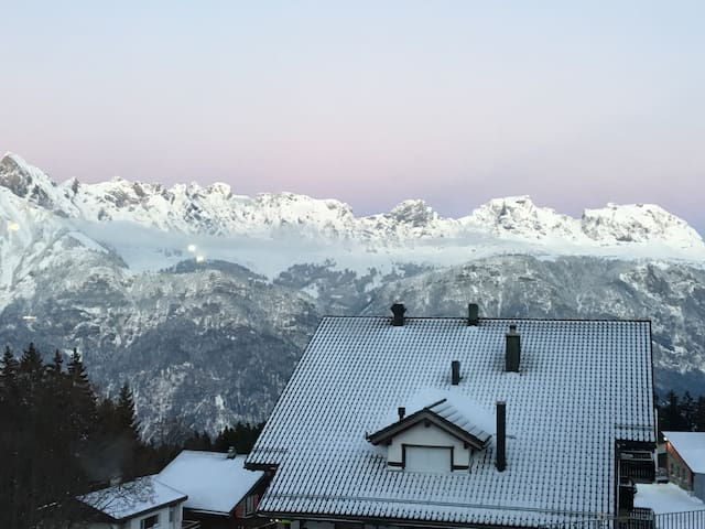 Large apartment with direct access to ski slopes - Flums - Apartament