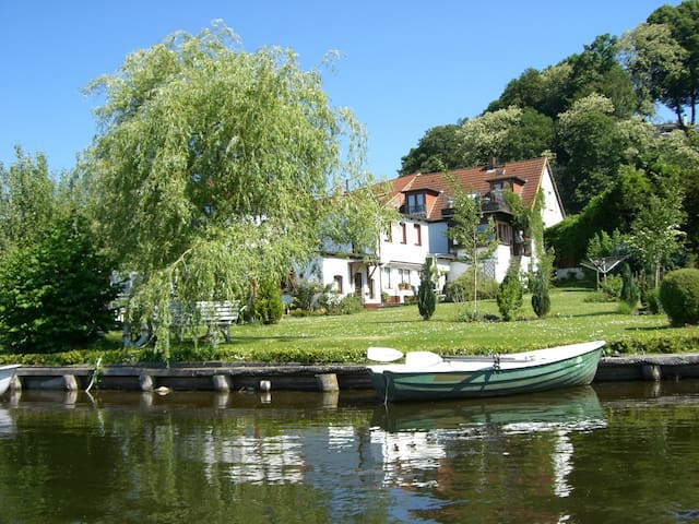 Paradies am See - Mölln - Gästhus