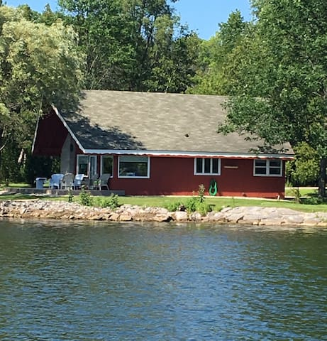 Chalet On The Shore - Sturgeon Bay