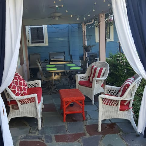 Charming 2 Bdr updated Beach Getaway-Patio/BBQ - Neptune Township - Casa