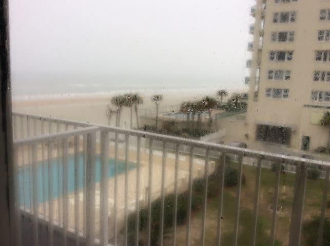 On the Ocean/Beach, Pet Friendly. - Daytona Beach Shores - Lägenhet