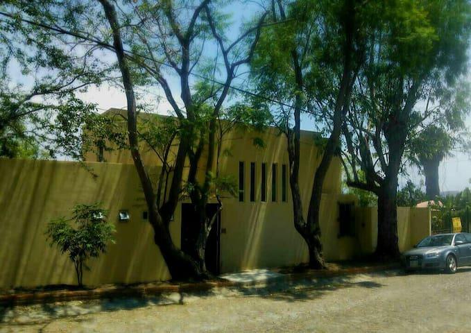 Confortable casa con vista al lago - Chapala Haciendas - Talo