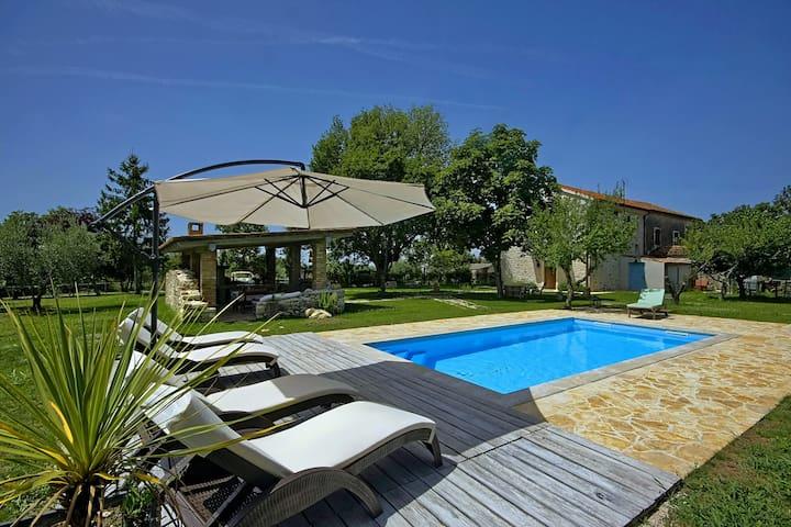 Casa Buscina, Villa with a private pool - Materada - Villa