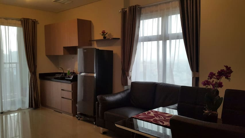 NEW:Madison Park Apartment. FREE WIFI - West Jakarta - Lägenhet