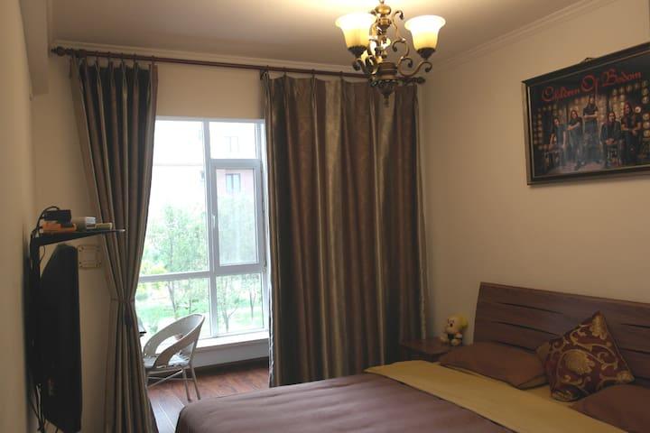 Seaside Ensuite Room with King Bed,FREE breakfast! - Huludao - Bed & Breakfast