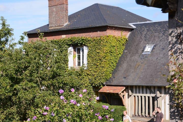 charmant boerenhuis in Normandisch dorpje (11 pl.) - Basse-Normandie - Huis