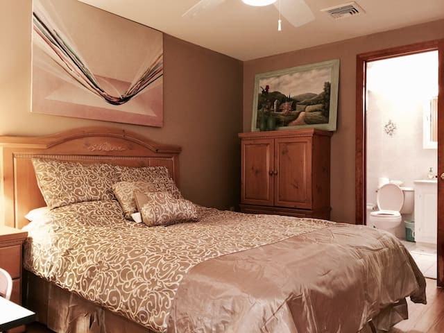 A master suite with own entrance - Mountain Lakes - Casa