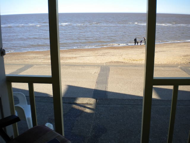 Beach hut and flat - Southwold - Appartement
