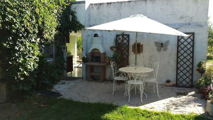 Charmant studio, Maisonnnette tout confort - Saint-Père-sur-Loire - Diğer
