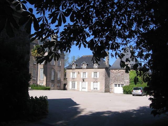Maison de charme dans le Cotentin - Aumeville-Lestre - Hus