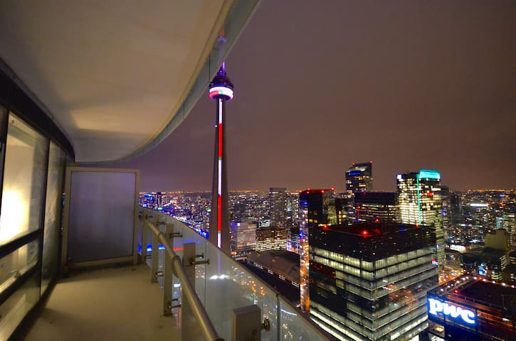 New High Rise With Stunning VIEWS! - Toronto - Departamento