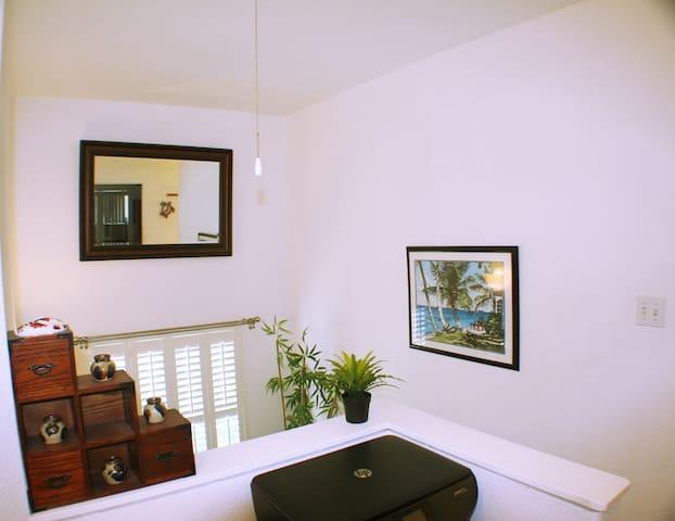 Beautiful & Convenient.  In a Classic Neighborhood - Waipahu - Haus