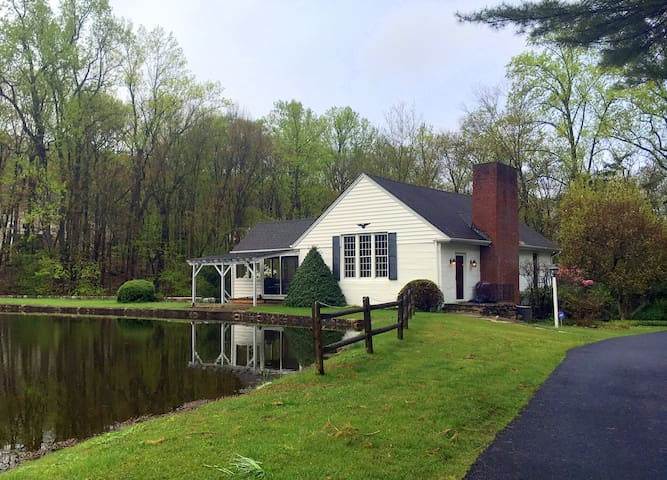 Country Home with pond and views - Boonton Township - Huis