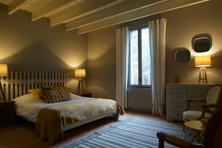 Chambre d'hôtes 2 à 4 pers dans maison de charme - Arjuzanx