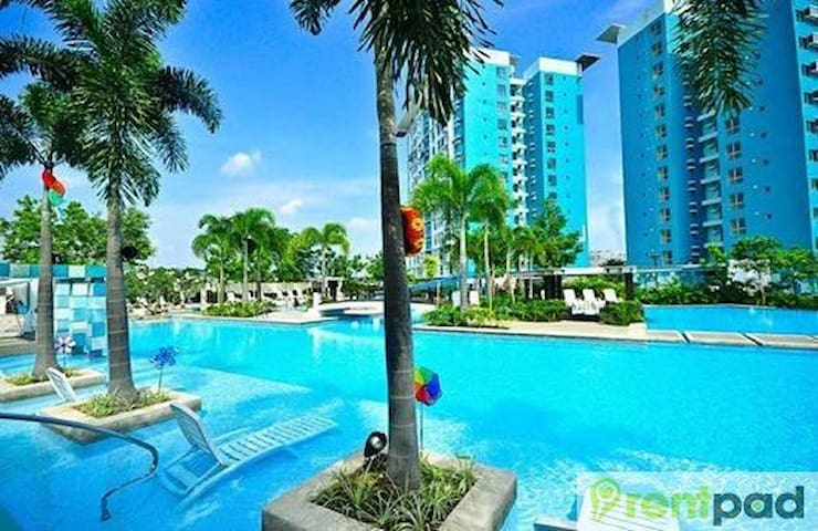 Furnished 1BR Condo For Rent Daily or longer - Muntinlupa - Kondominium