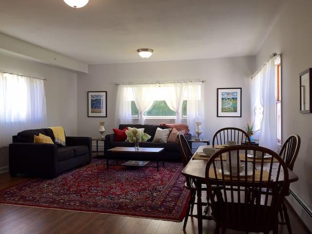 Beautiful Modern Berkshires Apartment - Ли - Квартира