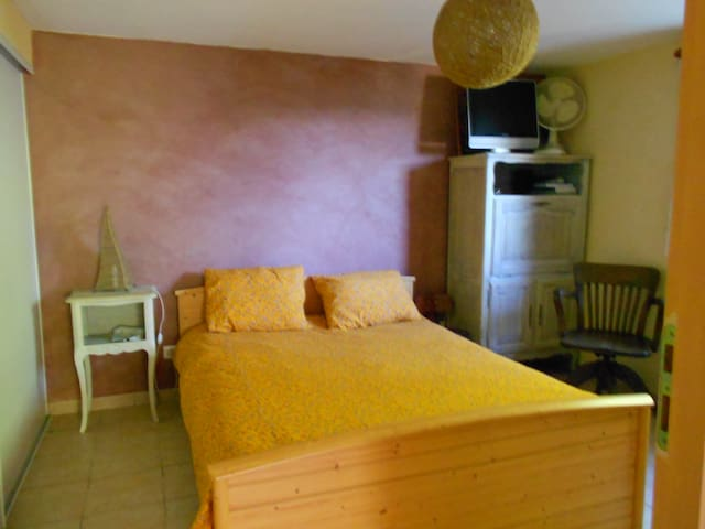 selfcatering BnB, 1 bedroom flat in detached house - Saint-Nazaire-en-Royans - Bed & Breakfast