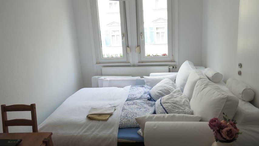 Perfect location, cosy home - Esslingen am Neckar - Apartemen