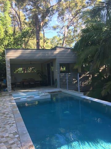 Bush Pool House - Tweed Heads West