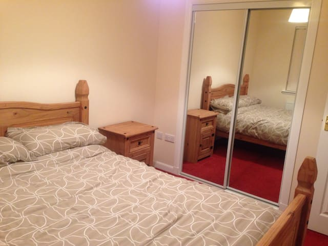 Lovely & bright  double room - Arbroath - Huis