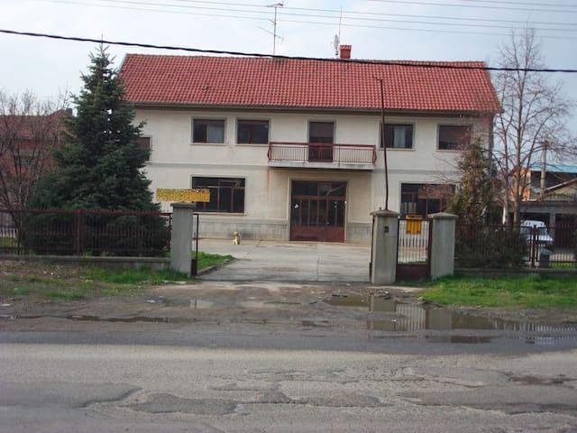 Lestane, Belgrade - Belgrade - Rumah