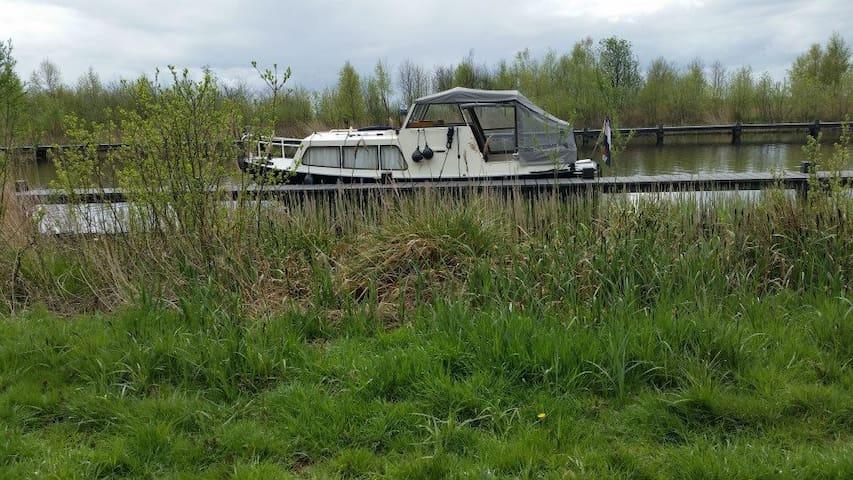 Akkrum Friesland. Te gek bootje te huur - Akkrum - Tekne